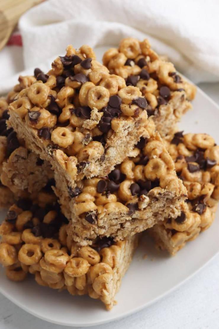4 Ingredient Weight Watchers Peanut Butter Chocolate Cheerio Bars – Best NO BAKE WW Recipe – Dessert – Treat – Snack with Smart Points
