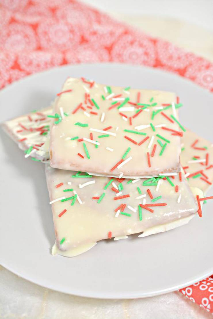 BEST Keto Graham Crackers! Low Carb White Chocolate Peppermint Graham Cracker Idea – Quick & Easy Ketogenic Diet Recipe – Completely Keto Friendly