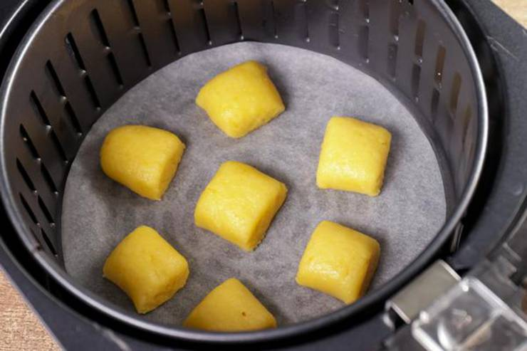 Keto Air Fryer Cinnamon Roll Bites