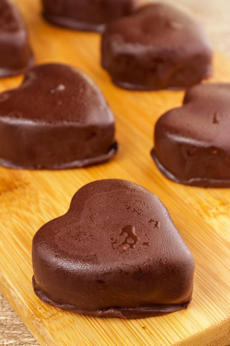 BEST Keto Fat Bombs! Low Carb Keto Heart Chocolate Chip Cookie Dough Fat Bombs Idea – NO Bake – Easy NO Sugar Low Carb Recipe – Keto Friendly & Beginner – Desserts – Snacks