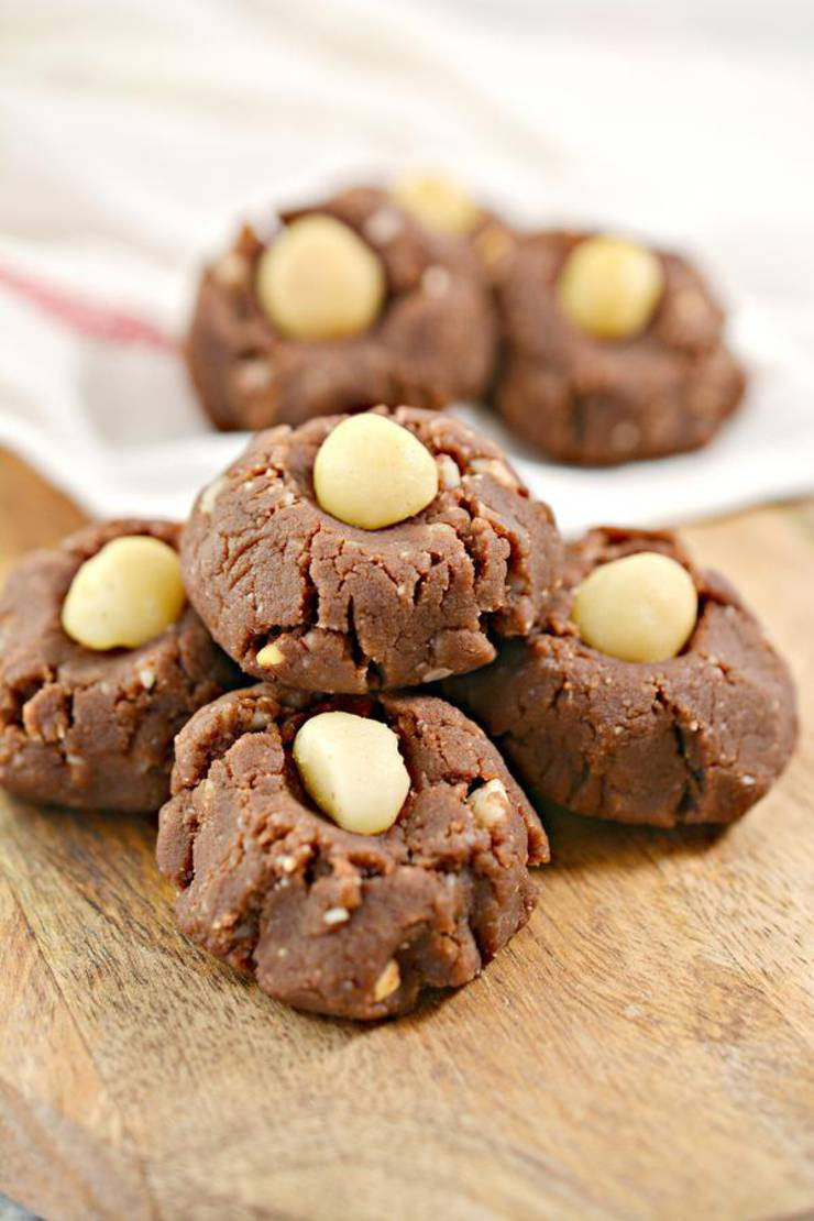 BEST No Bake Keto Cookies! Low Carb Keto Chocolate Peanut Butter Macadamia Nut Idea – Sugar Free – Quick & Easy Ketogenic Diet Recipe – Completely Keto Friendly