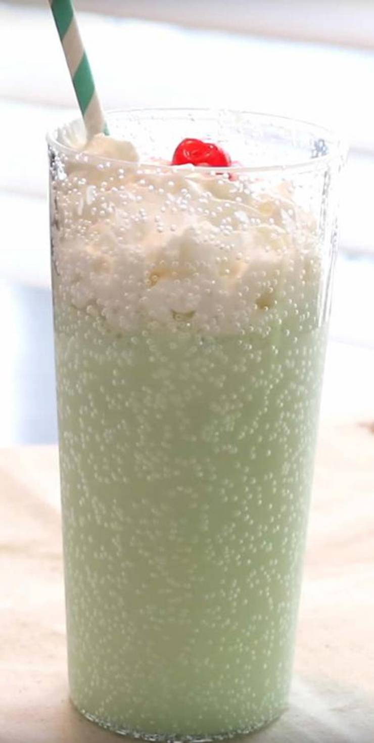{Easy} Shamrock Shake - Best Homemade Copycat McDonalds Shamrock Milkshake Recipe