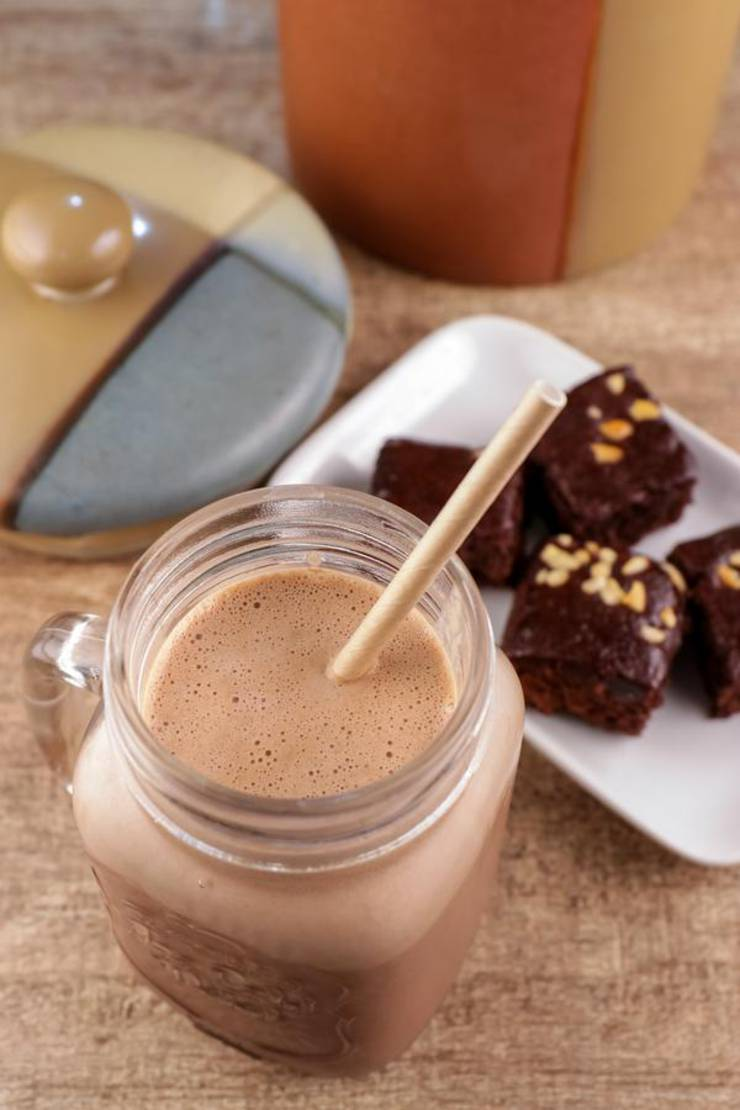 3 Minute Keto Smoothie – Best Low Carb Chocolate Brownie Smoothie Recipe – {Easy} Breakfast – Lunch – Dinner – Snacks – Keto Diet Beginner Meal Plan Idea