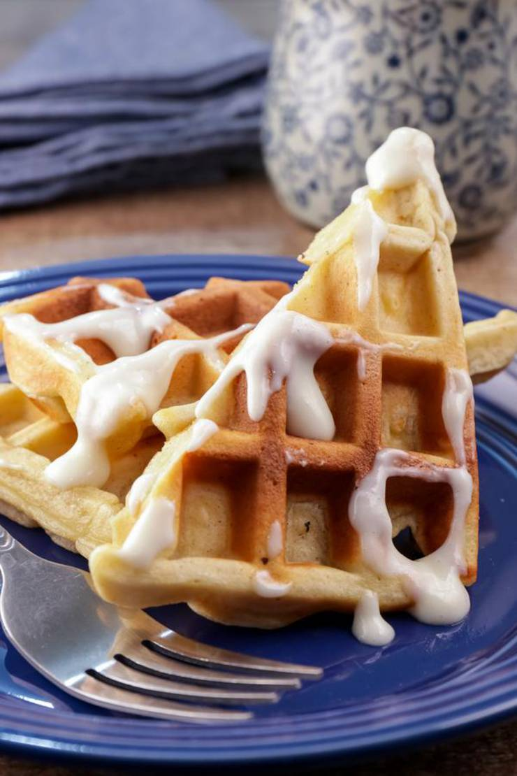 BEST Keto Cinnamon Roll Waffles! Low Carb Keto Cinnamon Roll Waffle Idea – Quick & Easy Ketogenic Diet Recipe – Completely Keto Friendly