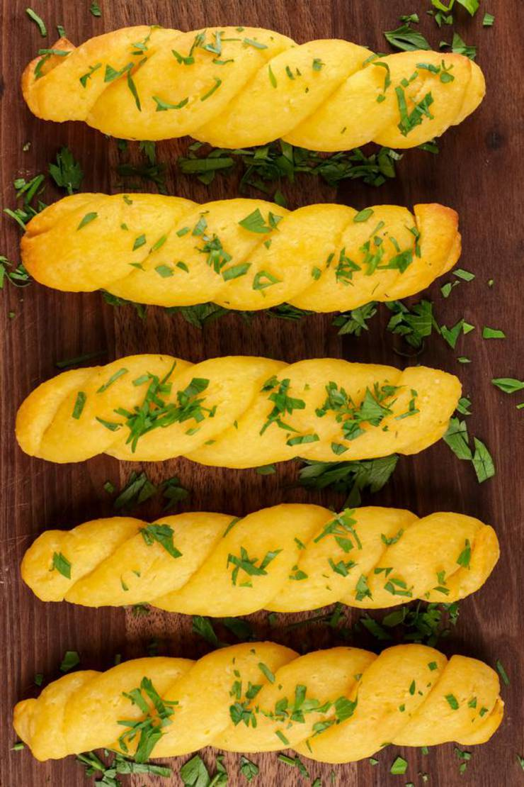 BEST Keto Garlic Cheddar Bread Twists! Low Carb Fathead Dough Garlic Cheese Bread Idea – Quick & Easy Ketogenic Diet Recipe – Beginner Keto Friendly – Snacks - Appetizers- Side Dishes