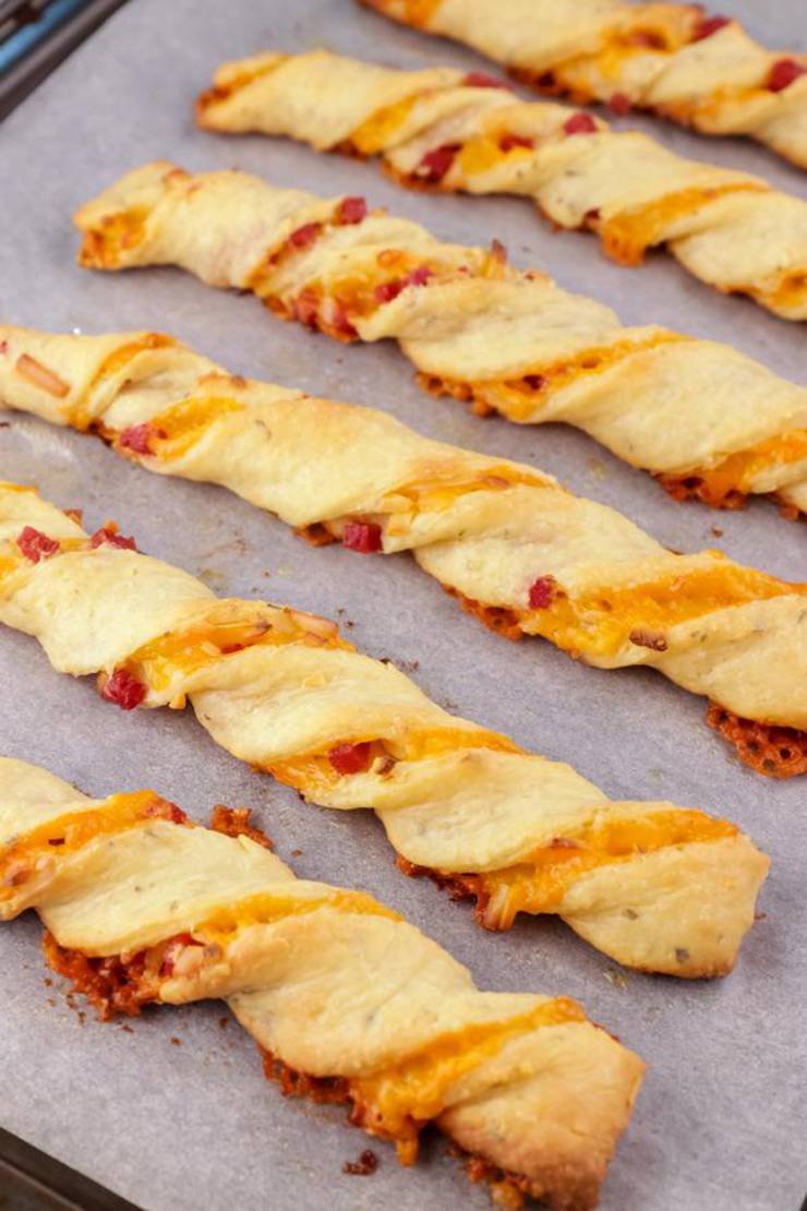 BEST Keto Pizza! Low Carb Keto Fathead Dough Pepperoni Pizza Twists Idea – Quick & Easy Ketogenic Diet Recipe – Beginner Keto Friendly – Snacks – Appetizers – Lunch - Dinner