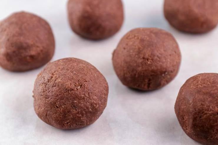 Keto Brownie Cheesecake Fat Bombs