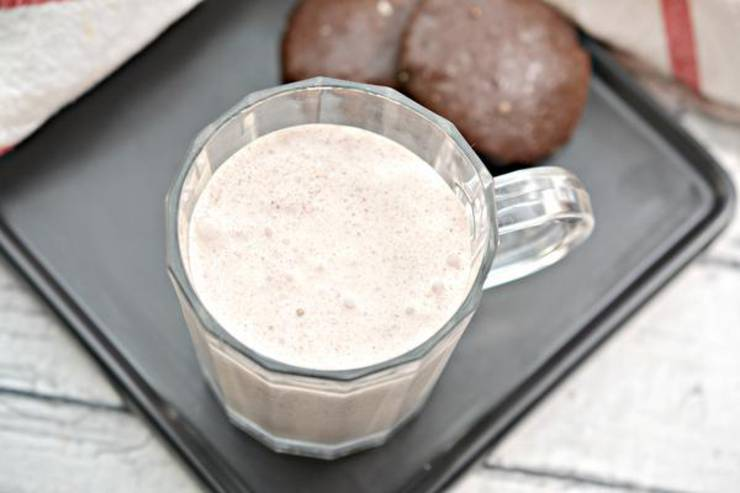 Keto Oreo Cookie Milkshake