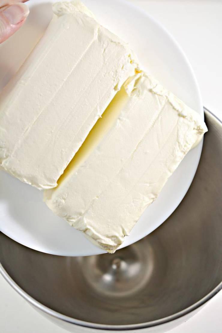 Keto Cinnamon Roll Cheesecake Bars