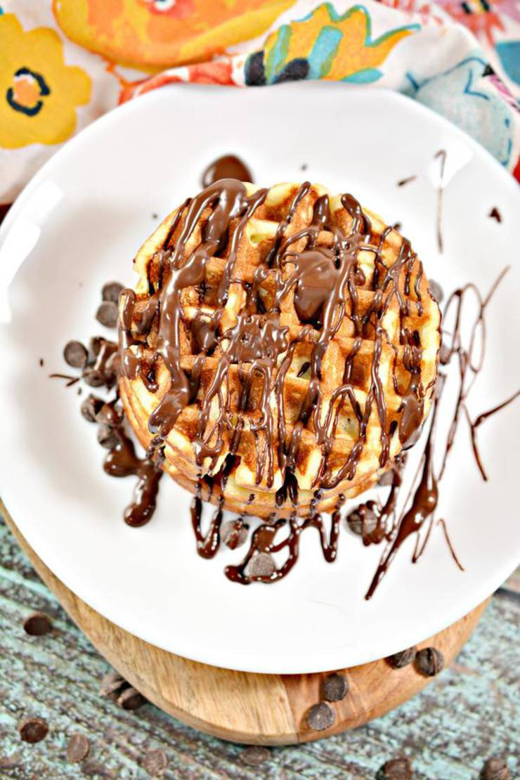 BEST Keto Chaffles! Low Carb Chocolate Glaze Donut Chaffle Idea – Homemade – Quick & Easy Ketogenic Diet Recipe – Completely Keto Friendly