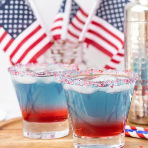 alcohol-drinks-red-white-and-blue-layered-cocktail-drink