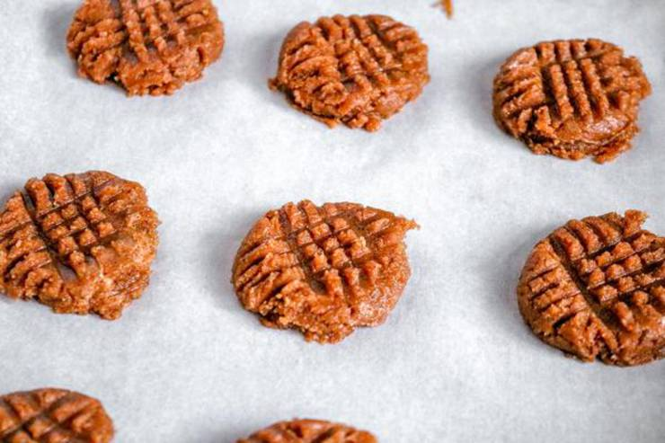 Keto Almond Butter Cookies