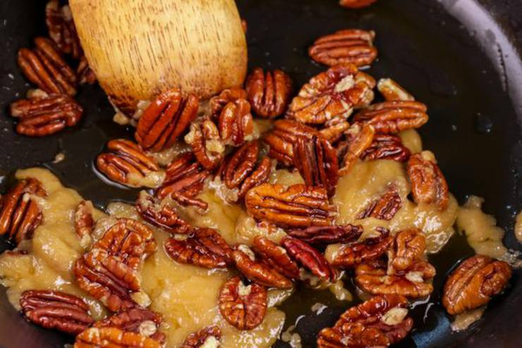 Keto Buttery Toffe Candied Pecans