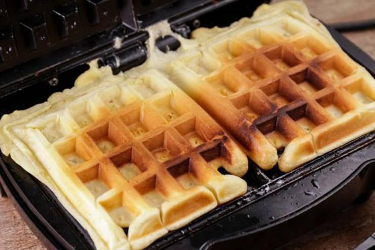 Keto Cinnamon Roll Waffle Sticks