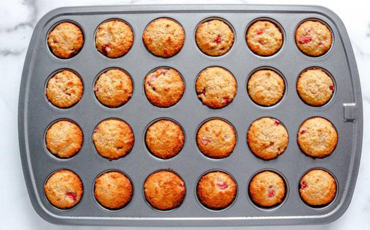 Keto Strawberry Mini Muffins