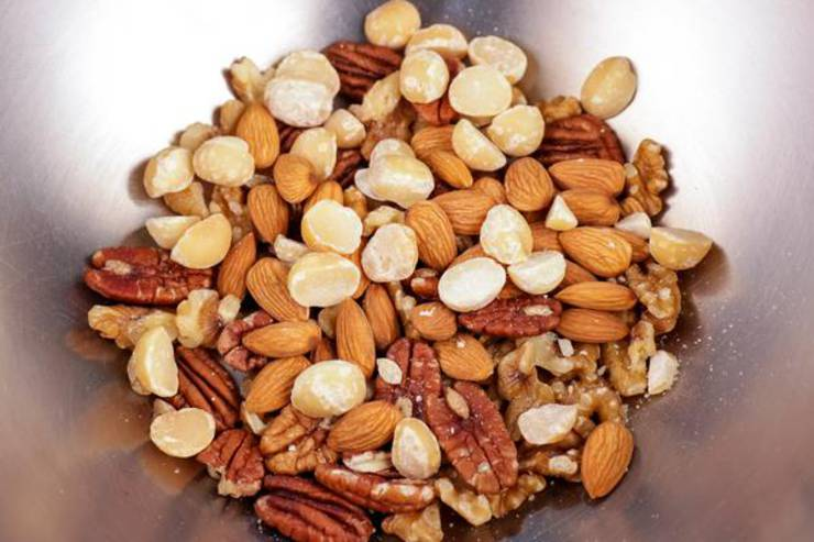 Keto Sweet And Salty Trail Mix