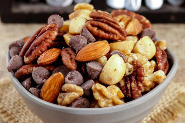 Keto Trail Mix – BEST Low Carb Keto Sweet and Salty Trail Mix Recipe – Easy – Snacks – Appetizers – On The Go - Keto Friendly & Beginner