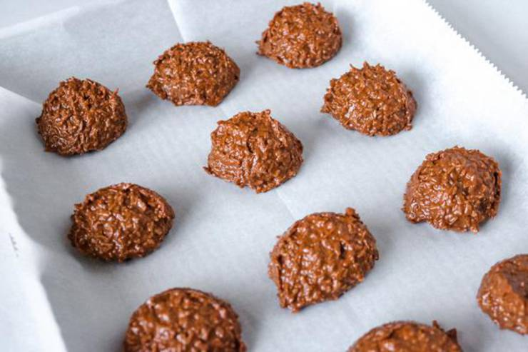 Keto 5 Ingredient No Bake Cookies