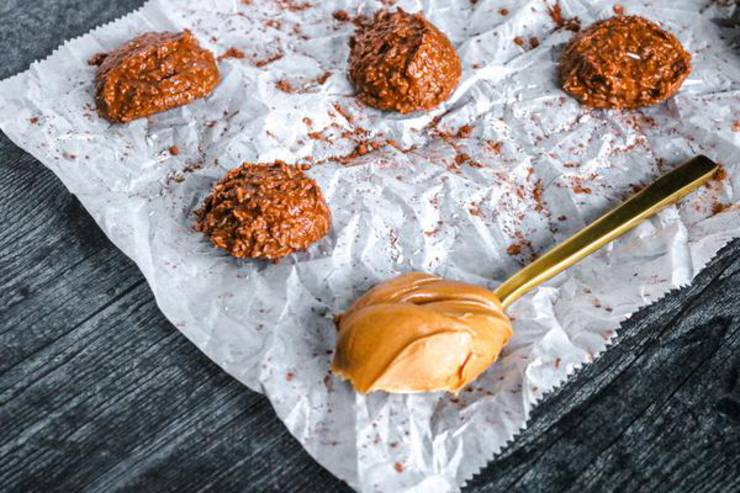 5 Ingredient No Bake Keto Cookies! Best Low Carb Keto Chocolate Peanut Butter Cookie Idea – Sugar Free – Quick & Easy Ketogenic Diet Recipe – Completely Keto Friendly