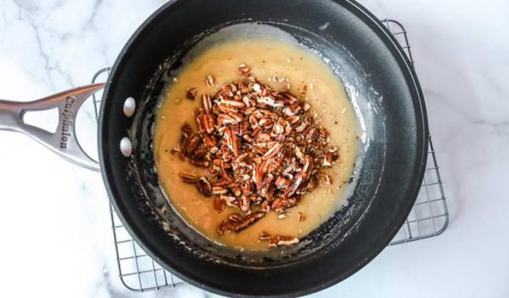 Keto Caramel Chocolate Pecans