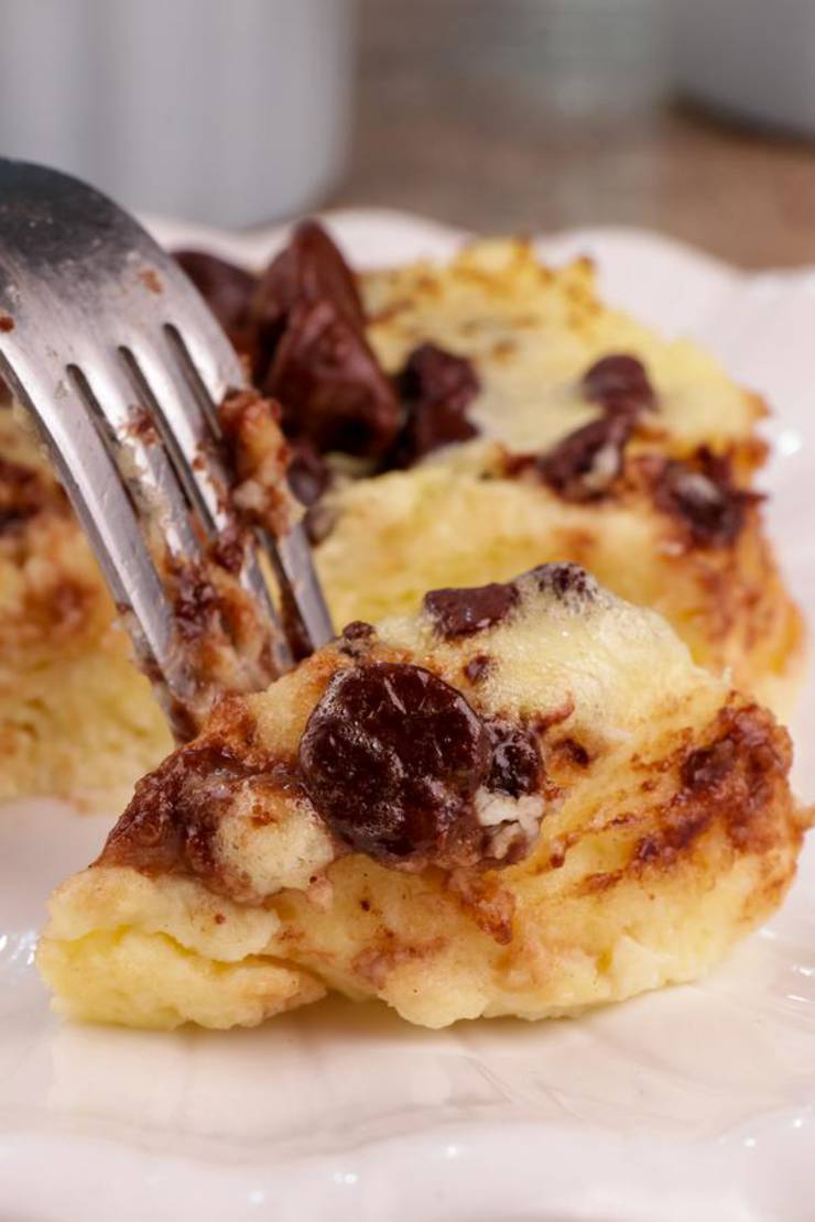 BEST Keto Mug Cakes! Low Carb Microwave Chocolate Chip Cheesecake Idea – Quick & Easy Ketogenic Diet Recipe – Completely Keto Friendly Baking