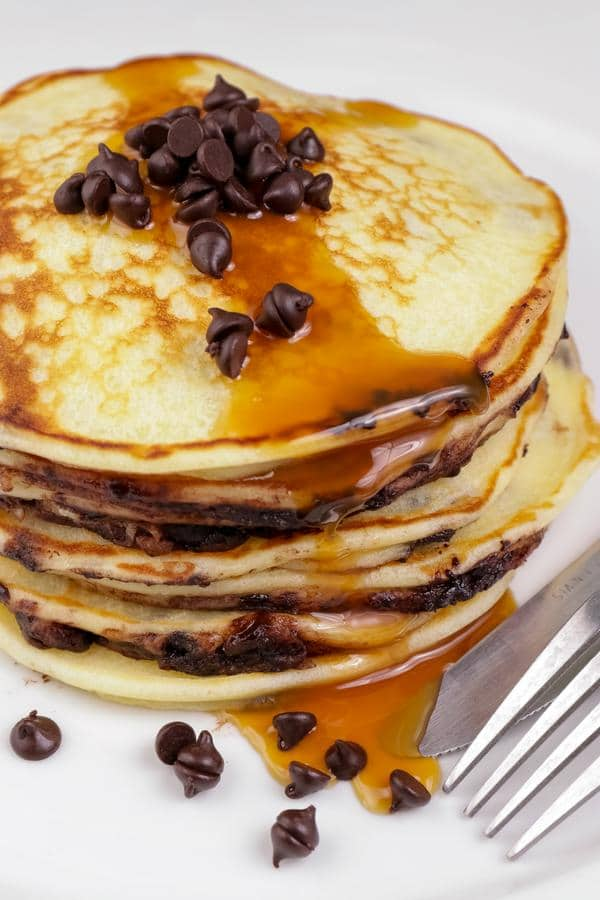BEST Keto Pancakes! Low Carb Keto Chocolate Chip Fluffy Pancake Idea – Quick & Easy Ketogenic Diet Recipes – Completely Keto Friendly – Gluten Free – Sugar Free
