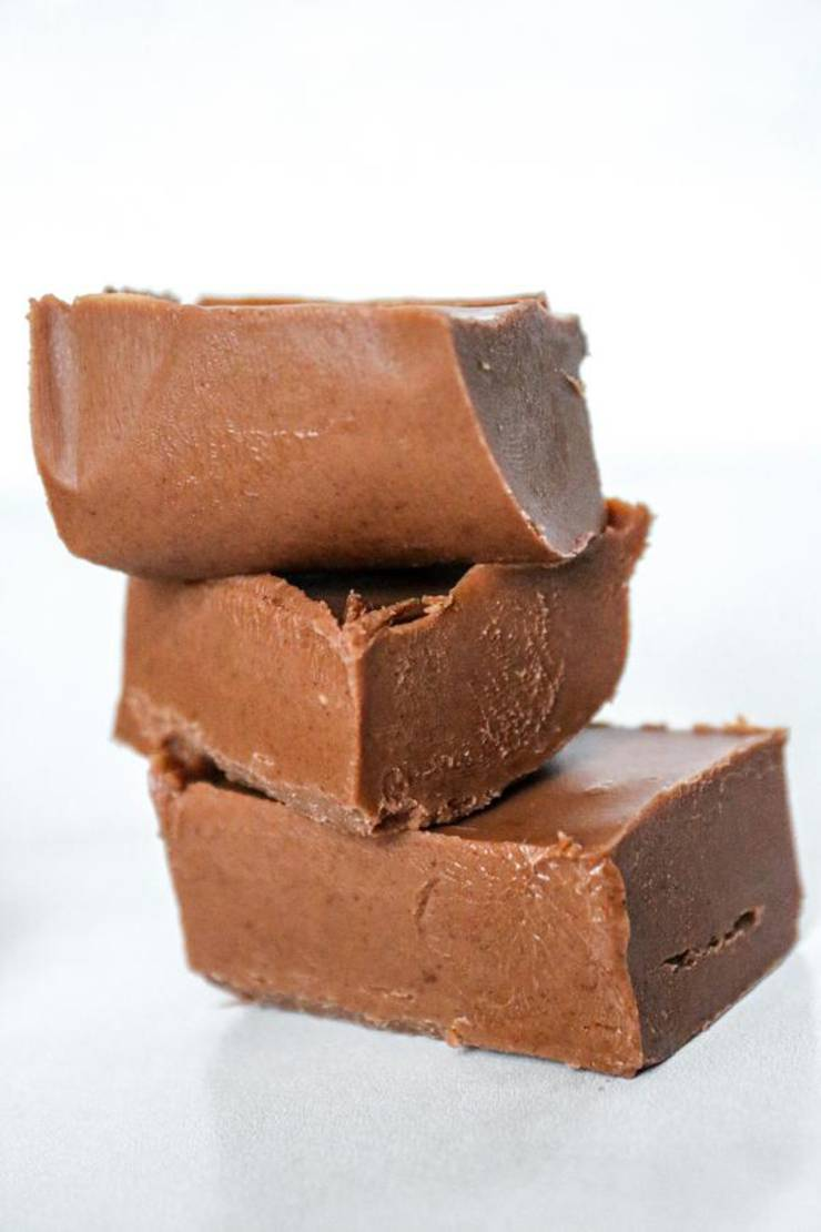 3 Ingredient Keto Fudge! BEST Low Carb Keto Chocolate Fudge Idea – Quick & Easy Ketogenic Diet Recipe – Completely Keto Friendly
