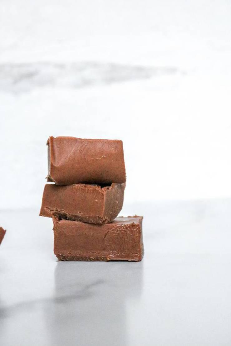 3 Ingredient Keto Fudge! BEST Low Carb Keto Chocolate Fudge Idea – Quick & Easy Ketogenic Diet Recipe – Completely Keto Friendly
