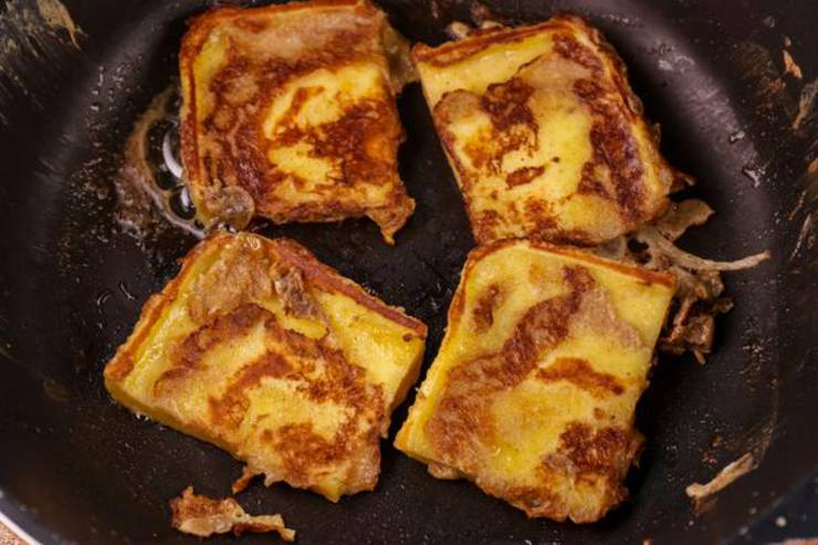 Keto Cinnamon Roll French Toast