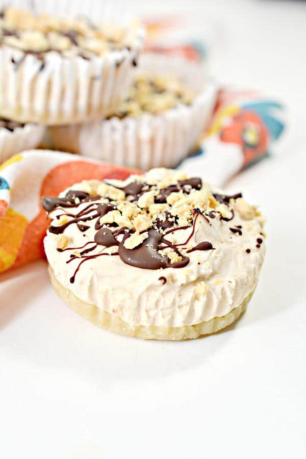 Keto Mini Pies – BEST Low Carb Keto Peanut Butter Mini Pie Bites – Easy – Snacks – Desserts – Gluten Free – Sugar Free