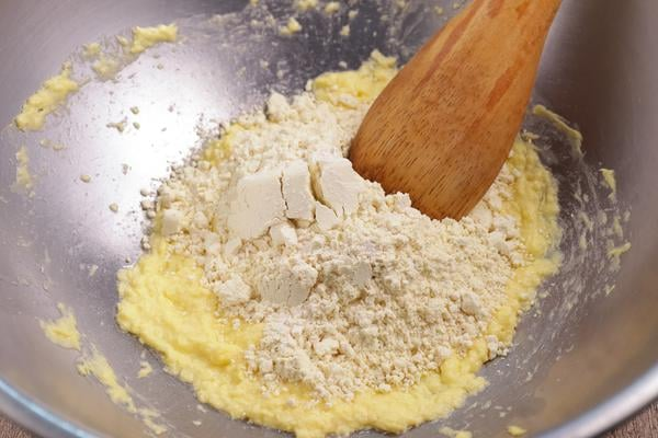 Keto Mini Ritz Peanut Butter Crackers