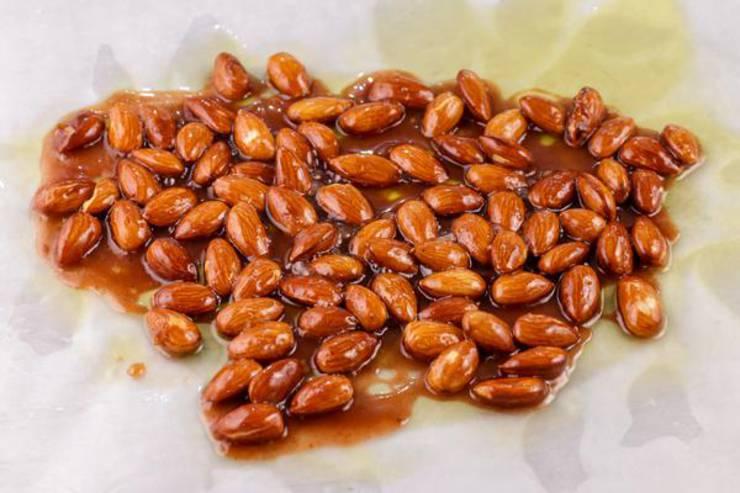 Keto Vanilla Cinnamon Almonds