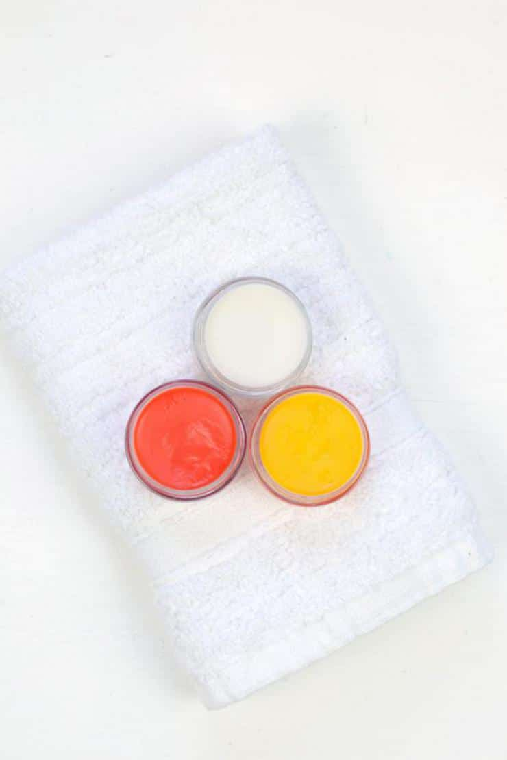 DIY Lip Gloss – Candy Corn Lip Gloss Idea {Easy} Candy Corn Lip Balm Recipe – How To Make Lip Gloss