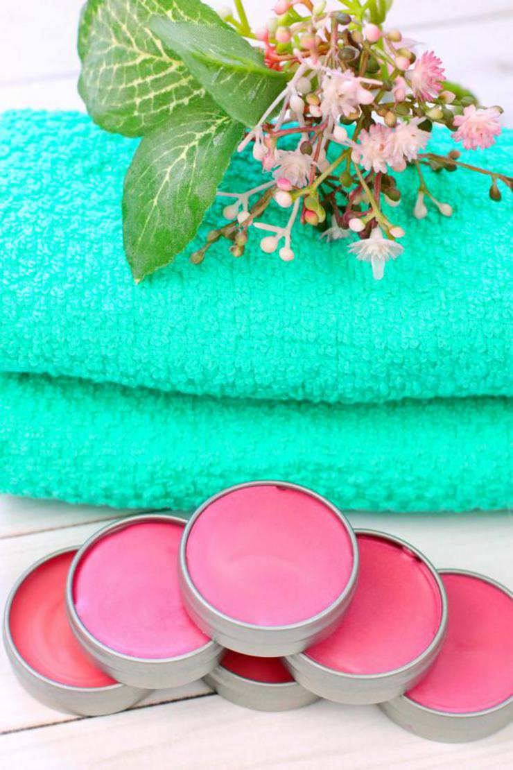 DIY Lip Gloss – Raspberry Lip Gloss Idea {Easy} Raspberry Punch Lip Balm Recipe – How To Make Lip Gloss