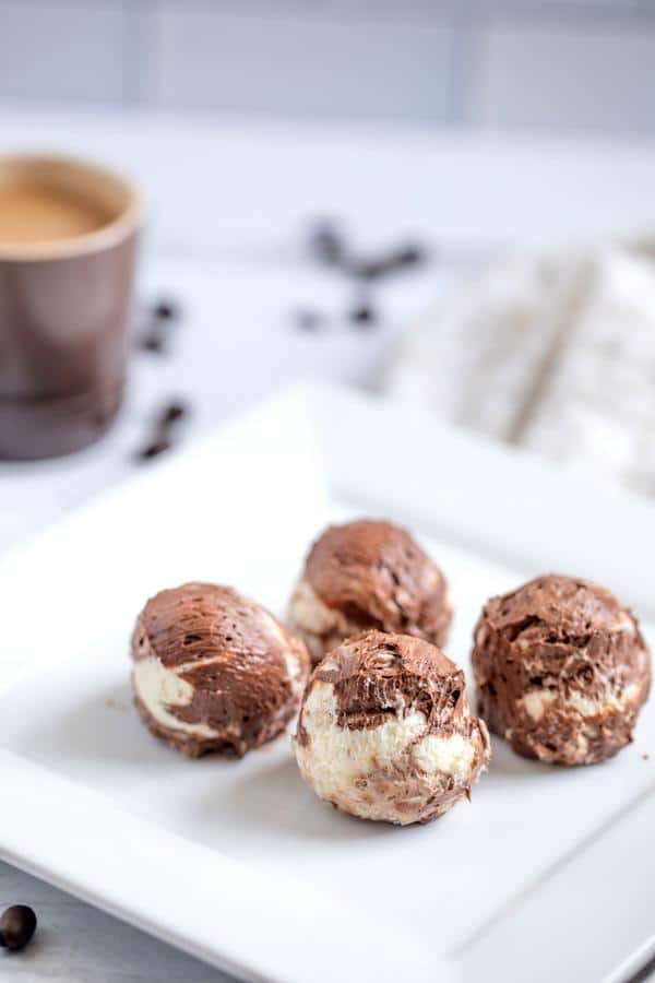5 Ingredient Keto Fat Bombs – BEST Mocha Chocolate Cheesecake Fat Bombs – NO Bake – Easy NO Sugar Low Carb Recipe
