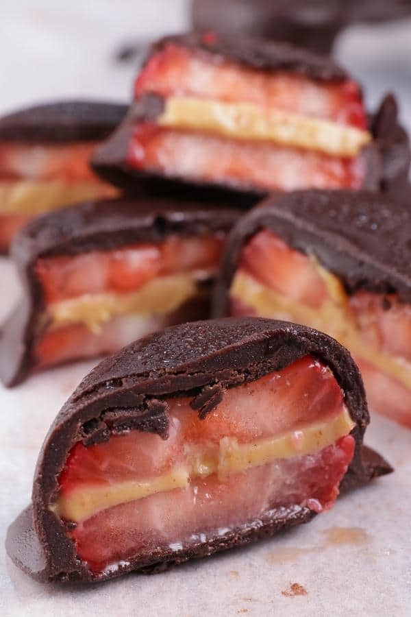 Keto Snacks – BEST Low Carb Keto Peanut Butter Chocolate Strawberry Recipe – Easy – Snacks – On The Go – Clean Eating - Healthy Snacks - Keto Friendly & Beginner