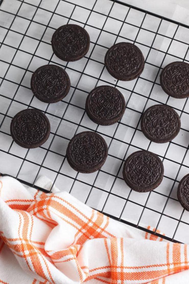 Mummy Halloween Oreo Cookies