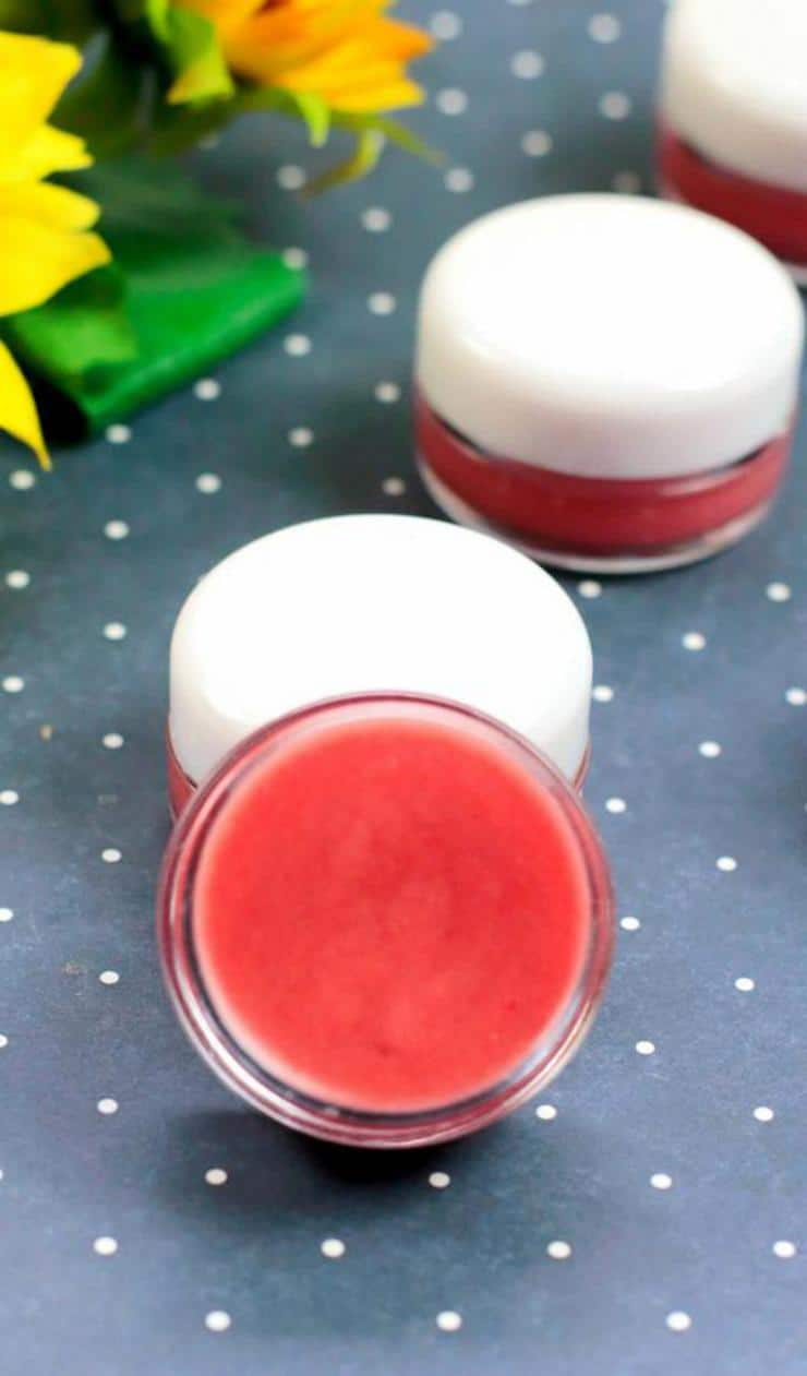 DIY Lip Gloss – Fruit Punch Lip Gloss Idea {Easy} Fruit Punch Lip Balm Recipe – How To Make Lip Gloss #diy #lipgloss #lipbalm #beauty