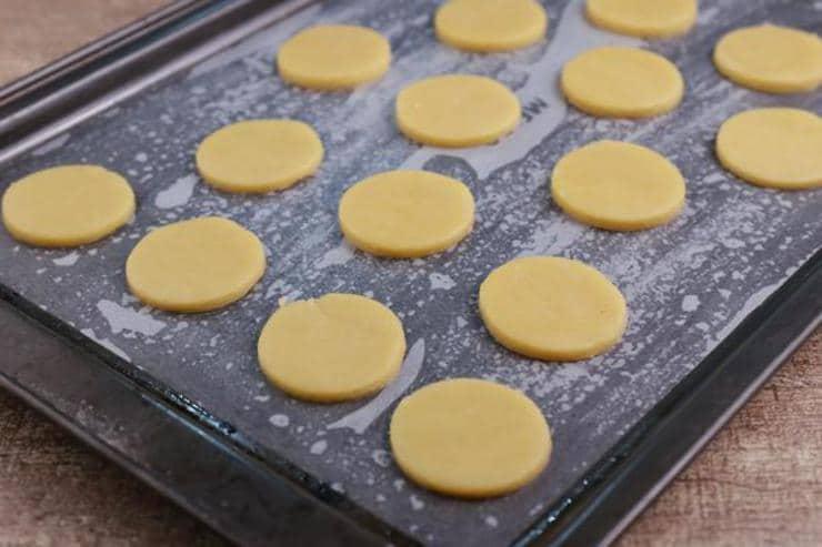 Keto Cheese Mini Ritz Crackers