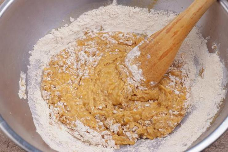 Keto Pumpkin Chocolate Chip Bread