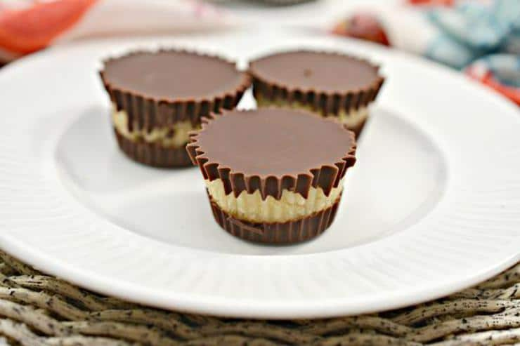 Keto Candy! BEST Low Carb Keto Twix Candy Cups Idea – Quick & Easy Chocolate Ketogenic Diet Recipe – Completely Keto Friendly – Gluten Free – Sugar Free