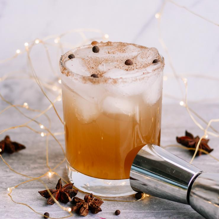 Alcoholic Drinks – BEST Gingerbread Margarita Recipe – Easy and Simple On The Rocks Alcohol Drinks