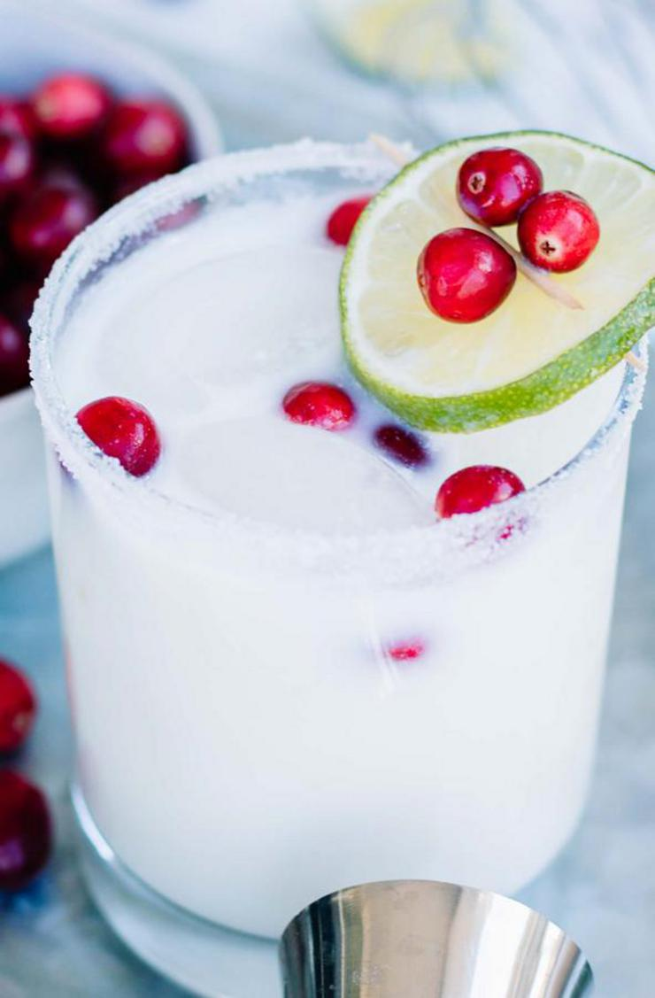 Alcoholic Drinks – BEST White Christmas Margarita Recipe – Easy and Simple On The Rocks Alcohol Drinks
