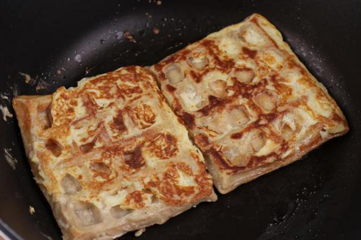 Keto Apple Pie French Toast Waffles