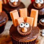 Turkey Cupcakes – BEST Edible Turkey Crafts – {Easy} Thanksgiving Desserts – Treats – Party Food – Desserts – Snacks