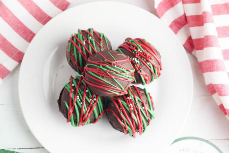 Hot Chocolate Bombs - Easy Christmas Chocolate Bomb Recipe