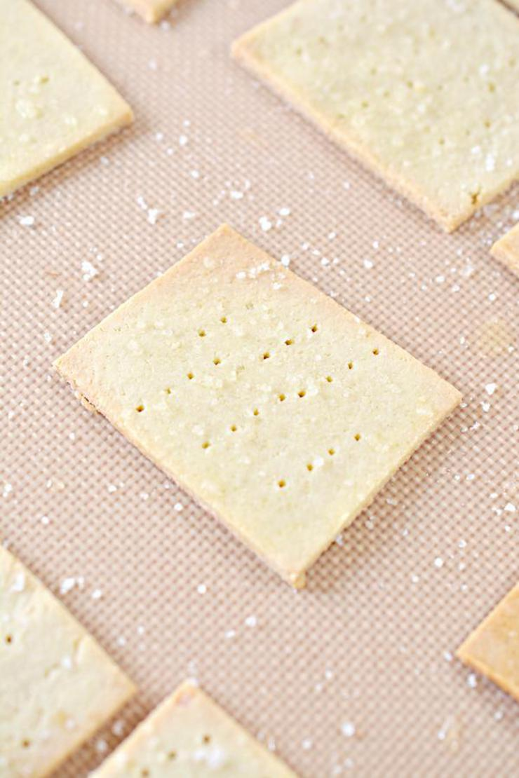 Keto Saltine Crackers