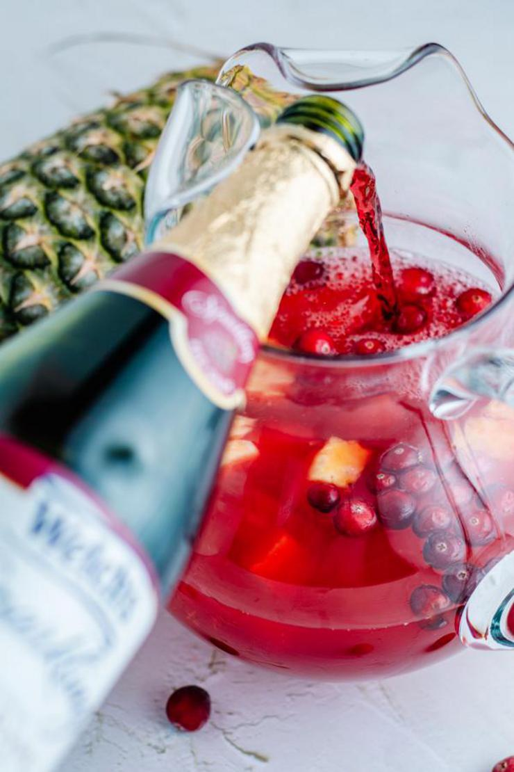 Alcohol Drinks Sparkling Cranberry Punch
