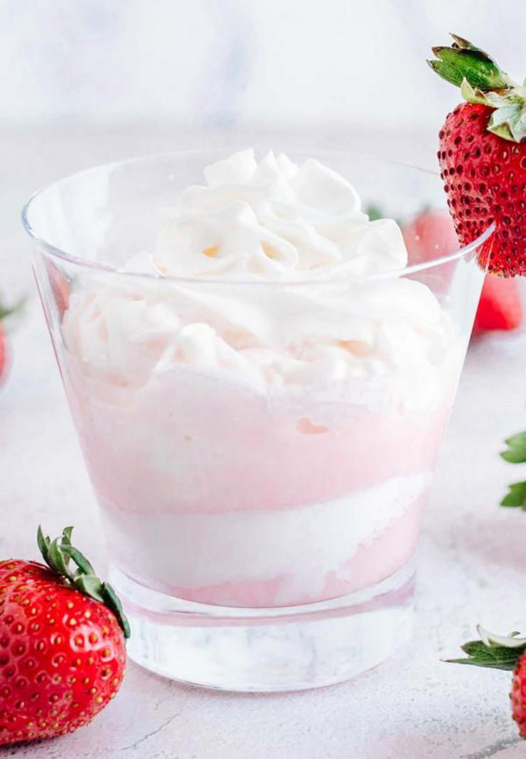 Alcohol Drinks Strawberries And Cream Mudslide