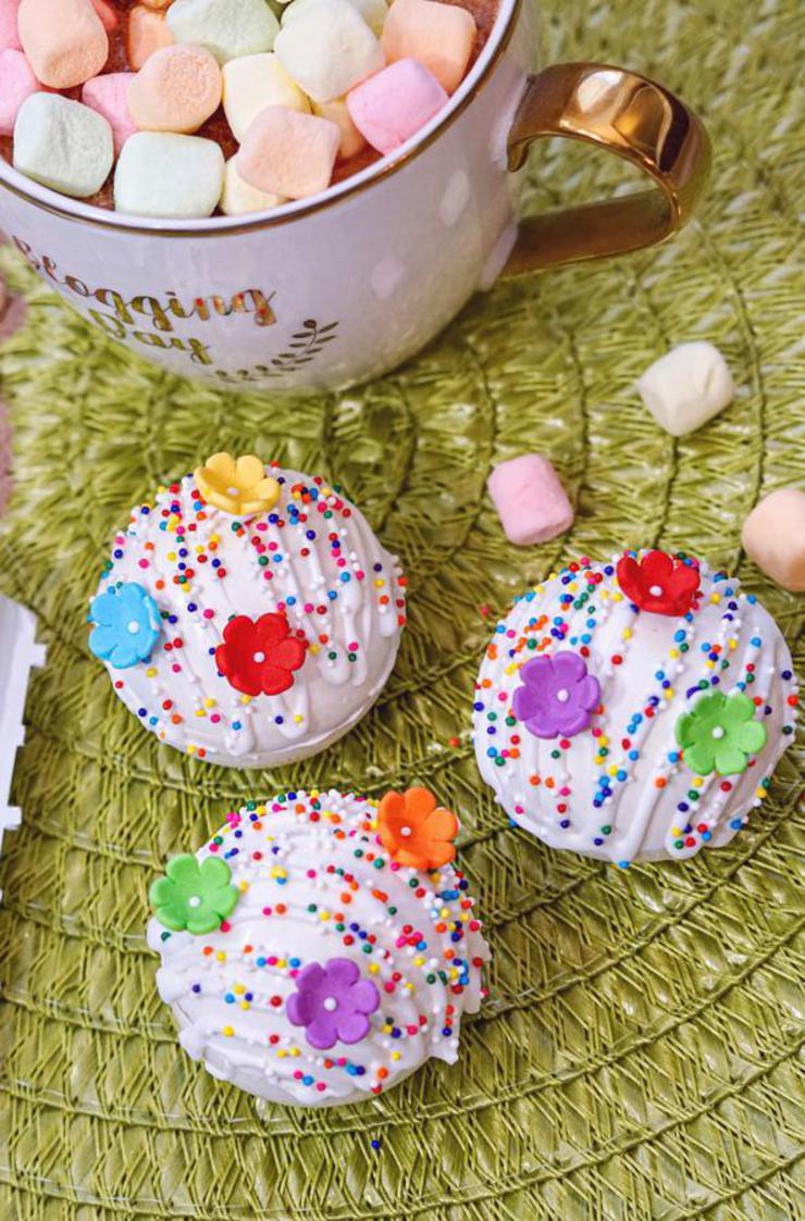 Hot Chocolate Bombs - Easy Rainbow White Chocolate Bomb Recipe - Hot Chocolate Drinks